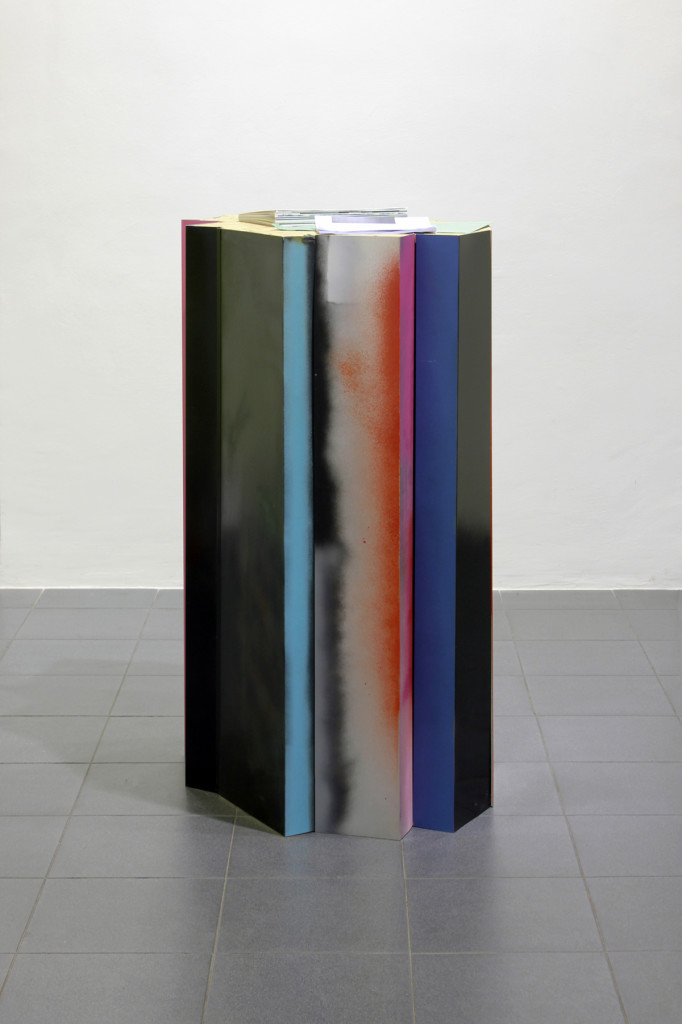 cristiano tassinari, Displayer, 2013, painted iron and tin , found objects